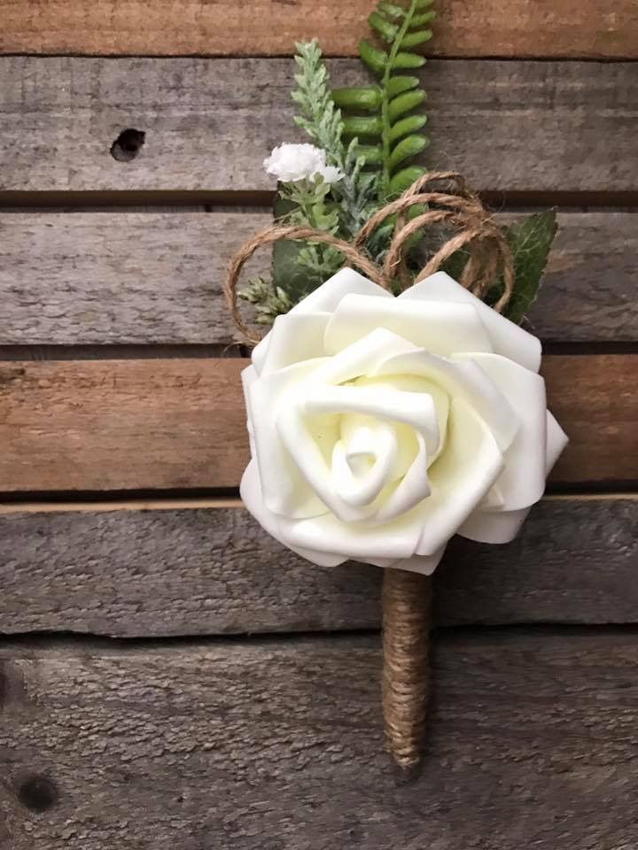 Rustic wedding pens