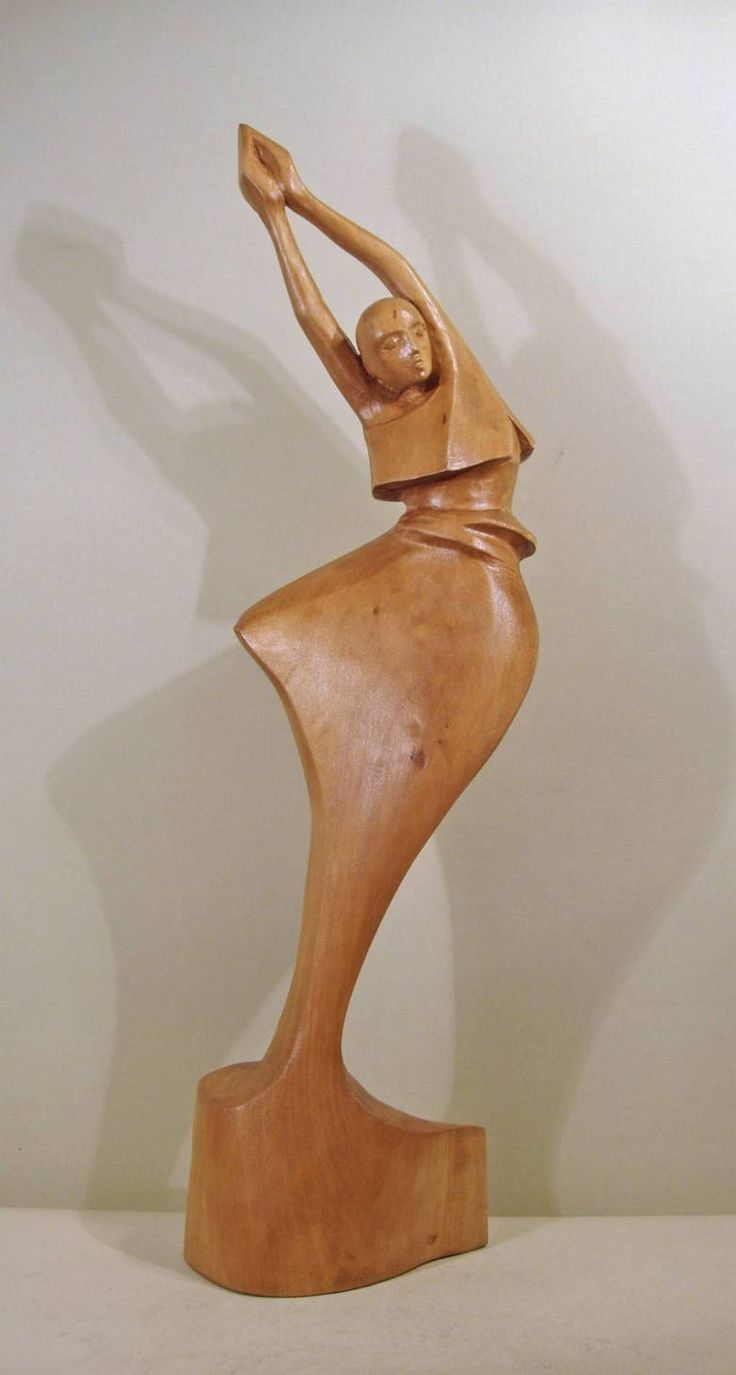 Dancer. Sculpture of Ryszard Wojtkiewicz