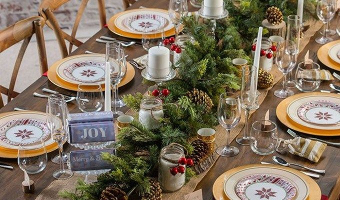 12 Rooms That Are Ultimate Christmas Decor Goals Society19 Uk Christmas Table Centerpieces Christmas Table Christmas Decorations