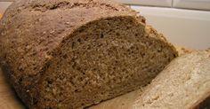 Dit recept levert een brood op dat een knapperige buitenkant heeft en luchtig is van binnen. Het smaakt naar echt brood. Door het hoge v...