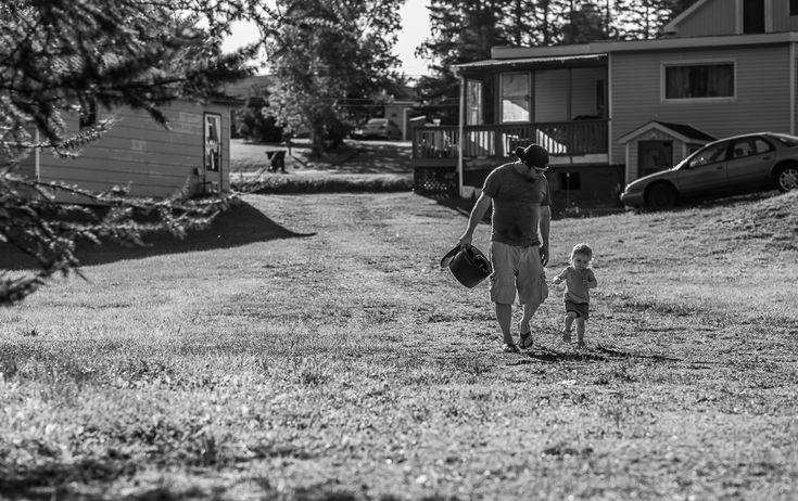 Daddy & Daughter - Documentary Family Photography - Bathurst NB Photographer - Tara Geldart Photography