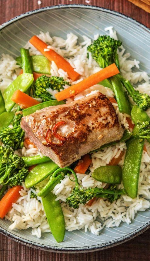 Step by Step Rezept: Pikant mariniertes Schweinefilet auf Brokkoli, Zuckerschoten und Jasminreis  Rezept / Kochen / Essen / Ernährung / Lecker / Kochbox / Zutaten / Gesund / Schnell / Frühling / Einfach / 30 Minuten / Sonntagsbraten / Scharf / Pikant / Asiatisch / Asien / Gemüse / Laktosefrei  #hellofreshde #kochen #essen #zubereiten #zutaten #diy #rezept #kochbox #ernährung #lecker #gesund #leicht #schnell #frühling #einfach #schweinefilet #sonntag #reis #asiatisch #pikant #scharf…