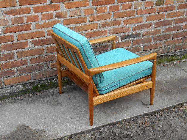 Meble lata 60; fotele zostały przez nas starannie odnowione
