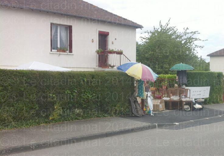 Vide grenier à Bernay (le 25/05/14) pas mal l'idée...
