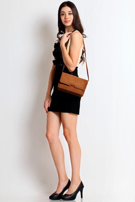Sweet pea clutch bag #handbag #clutchbag #taspesta #clutchpesta #fauxleather #kulit #suede #fashionable #messengerbag #simple #colors #brown