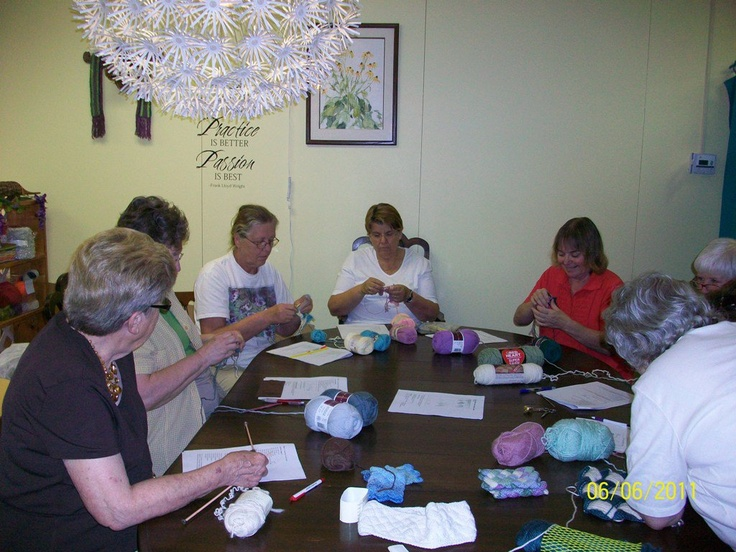 SUNNY SIDE YARNS on Depot  Proof that intense concentration was going on!