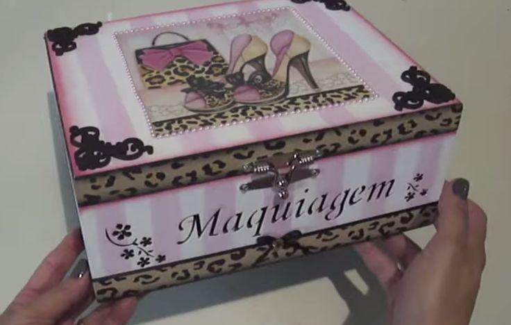 Caixa de Maquiagem - Livia Fiorelli.