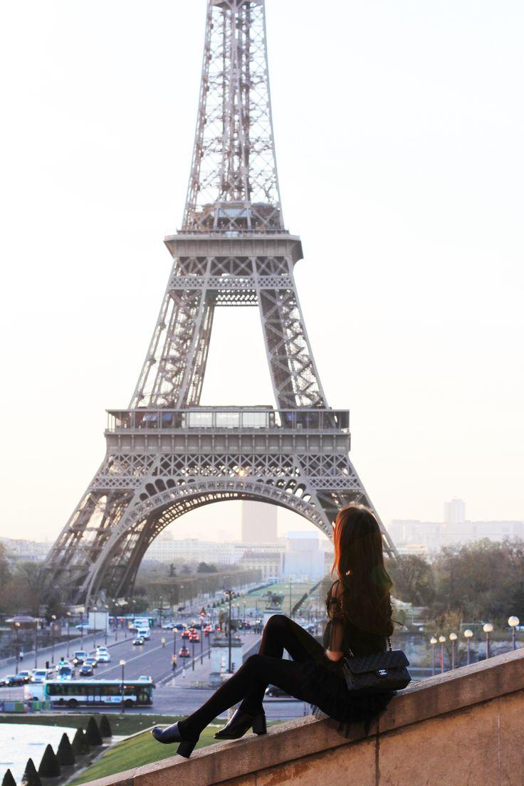 Paris fashion Eiffel tower http://mariannelle.com/