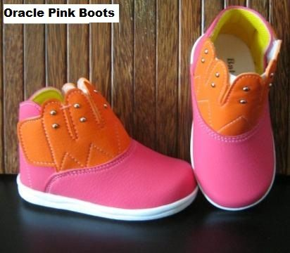 #Sepatu Anak Baby Wang (Oracle pink boots) ~ 105ribu ~ Size : Ukuran Sol dalam (panjang kaki anak) : No. 3 : Sol 13cm (Umur 1 - 1,5 thn) No. 4 : Sol 13,5cm (Umur 1,5 - 2thn) No. 5 : Sol 14cm (Umur 2 - 2,5 thn) No. 6 : Sol 14,5cm (Umur 2,5 - 3thn)