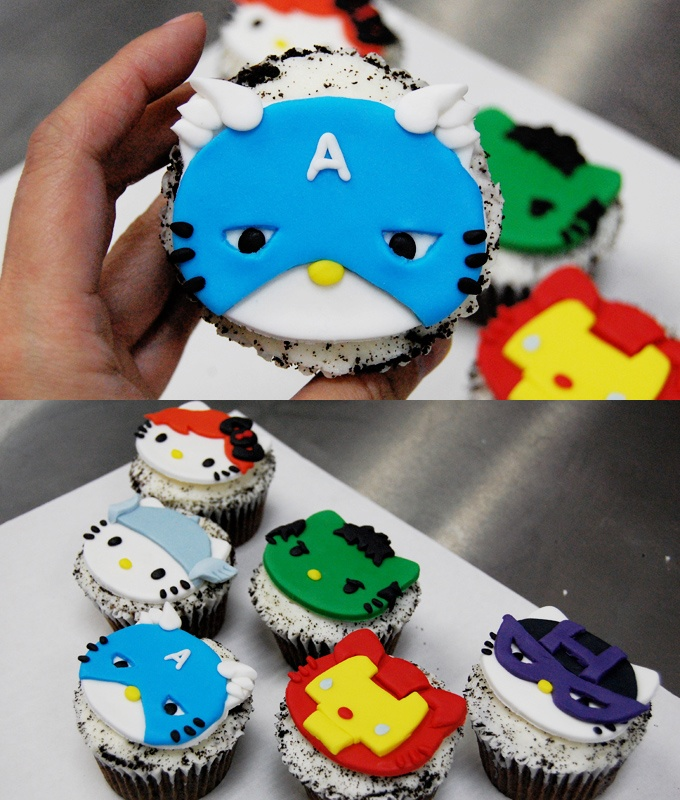 avenger hello kitty cupcakes
