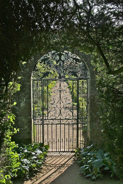 Rousham House Would be awesome for starting of garden