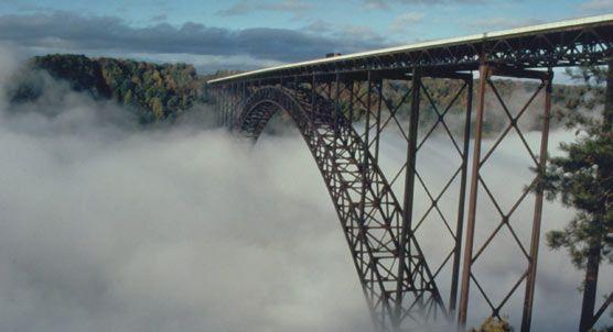 NEW RIVER GORGE BRIDGE: Big isn't it?