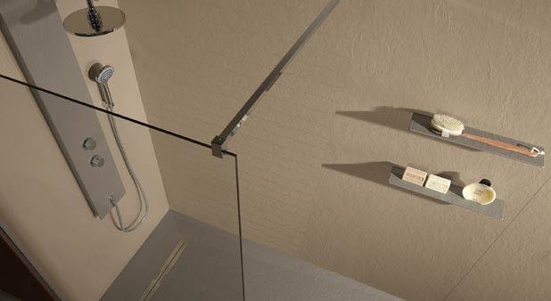 Les panneaux en stratifié, acrylique… permettent de rénover la douche vite fait bien fait. Sans joint, ils sont toujours impeccables. Si on les adoptait ?
