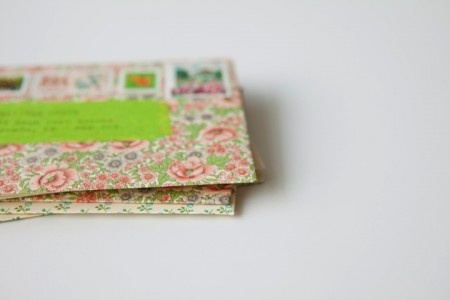 Floral envelopesThings Stationary, Places Blog, Letters Writting, Enveloppe Liberty, Floral Envelopes, Decor Paper, Writing Letters, Letters Writing, Paper Places