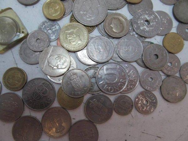 shopgoodwill.com - #30415622 - 3.6 lb Lot Danish Krone Coin Currency - 6/11/2016 10:14:24 AM