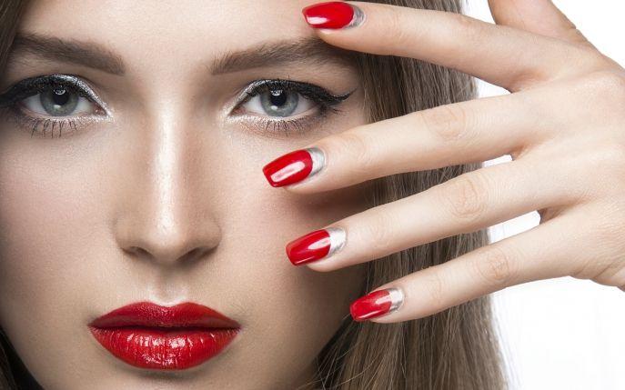 Află ce modele de manichiuri te transformă într-o femeie respectabilă! Vezi trei modele care îți oferă stil!