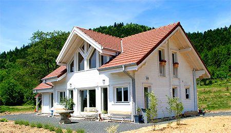 Construction maison bois contemporaine en madrier