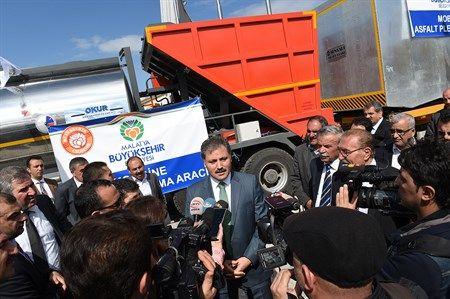 Büyükşehir Belediyesi İş makinelerine Yeni Araçlar Ekledi