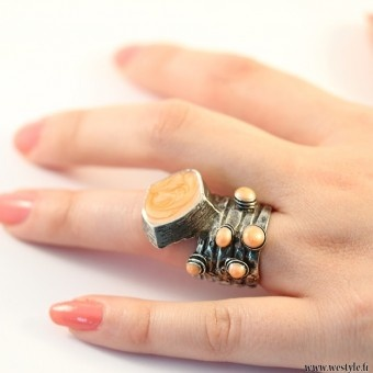 Almost like an YSL-ring