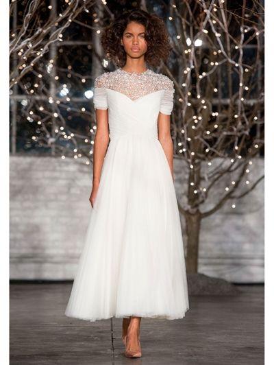 Bruidsjurk tot op de enkels van Jenny Packham -  Jenny Packham bridal herfst 2014  Kort, korter, kortst: meer korte trouwjurken >