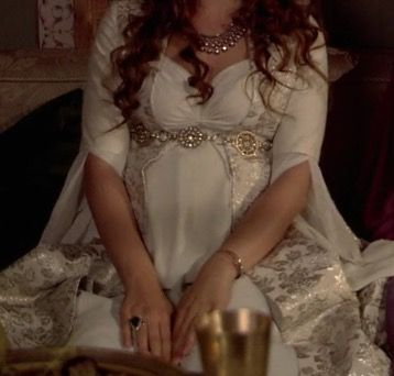#HürremSultan #MaternityDress #Haseki #TheMagnificentCentury #Gowns  ((All of her pregnancy gowns I love the most are all white.   ❤️))