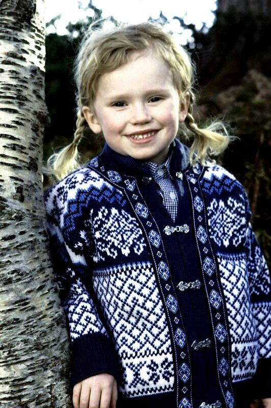 Image kr517NOK Norway Children's size 4 to 6 Nordstrikk cardigan sweater by VikingRaids