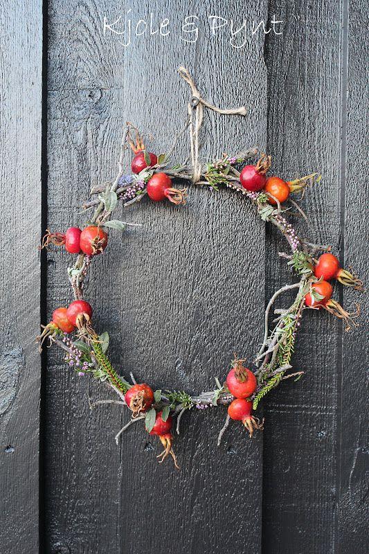 seidenfeins Blog vom schönen Landleben: Kranz aus Rosengestrüpp * wreath from old Rose bushes