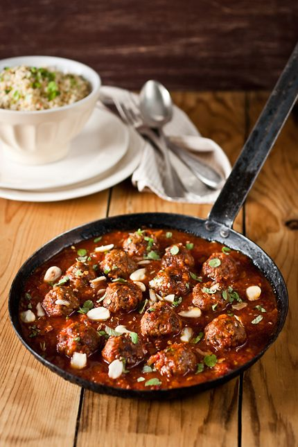moroccan meatballs in spicy tomato sauce...substitute chicken or turkey for beef