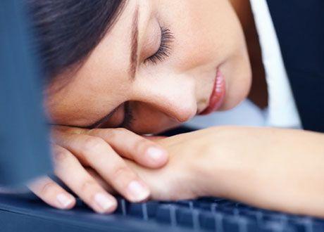 Bukfett, nedstämdhet och huvudvärk. Vi vet alla att stress är dåligt för oss, men när har det gått för långt? Här är sju tecken på att din stress, och därmed dina kortisolnivåer, har blivit något ohälsosamt.