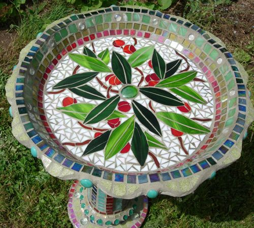 1000 ideas about mosaic birdbath on pinterest mosaics for Garden mosaic designs