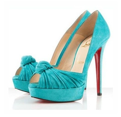 super cute turquoise louboutins (i love it with red)