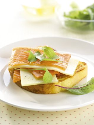 Pain perdu au saumon fumé et Comté : la recette facile