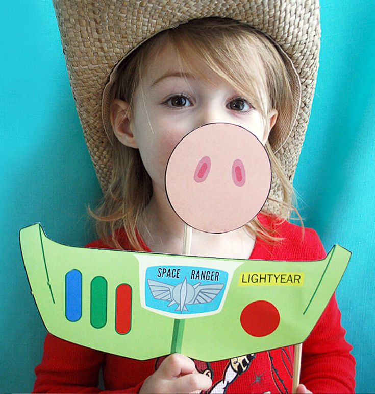 These free printable Toy Story photo booth props are sure to put the Yee Haw! into your Toy Story birthday party. This easy and fun Toy Story birthday party idea includes Buzz, Hamm, Woody, Jessie, Rex, Slinky Dog, and the Aliens. To infinity and beyond!