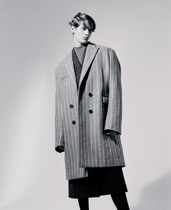 Amaury Mouquet captured by Nicolas Coulomb and styled with pieces from JUUN.J, for Novembre magazine.