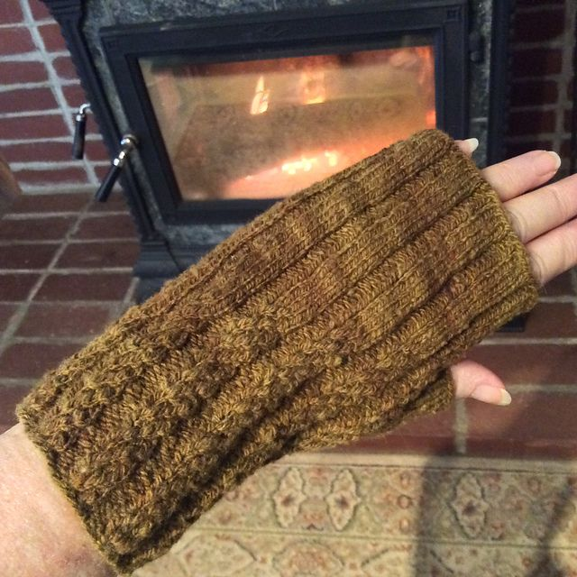 Ravelry: winemaker's Longmire Reciprocal Mitts in Mountain Meadow Wool Cody