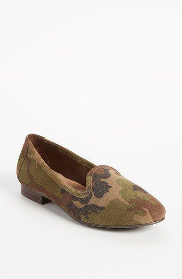 Camouflage smoking slipper