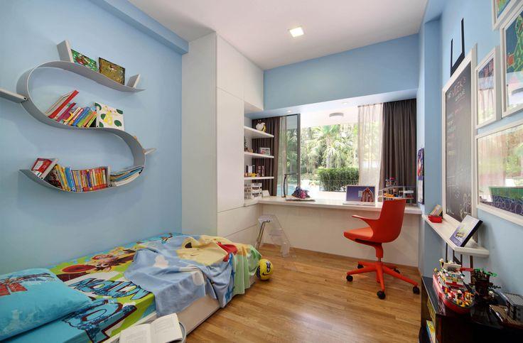 SYRB Balcon East #syrb #modern #interior #design #bedroom #kids #blue #orange #spoon #blackboard #study