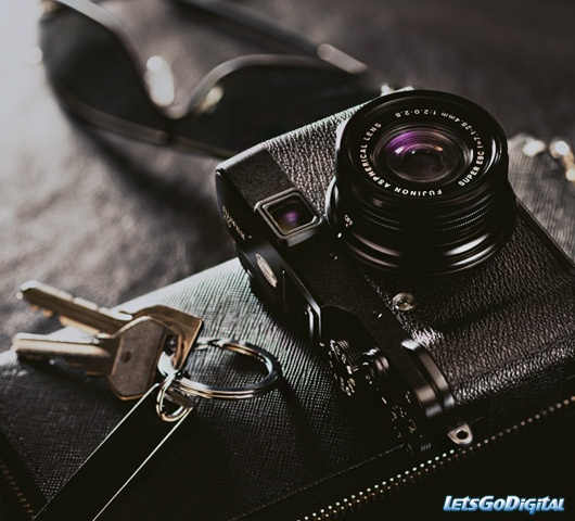 "Fujifilm x10. The best 'tween"" camera made today."