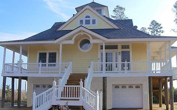 Best 25 coastal house plans ideas on pinterest beach for Island house plans on pilings
