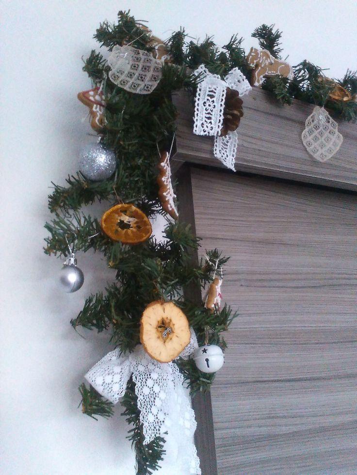 Indoor girland - oranges, apples, gingerbreads...