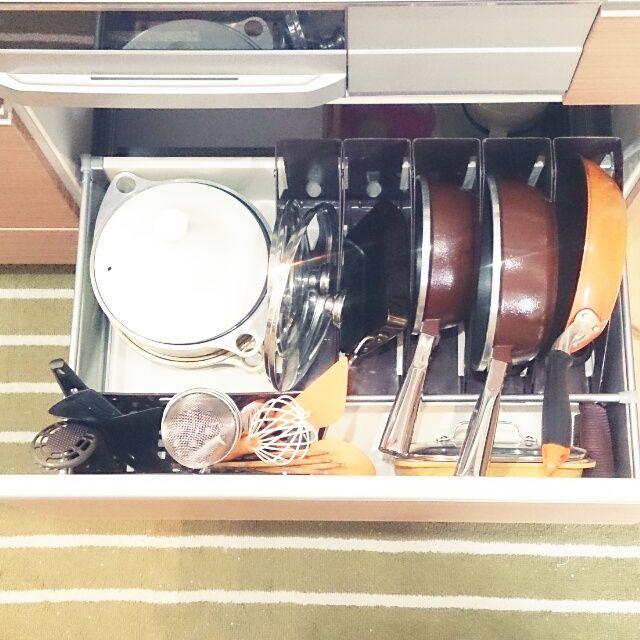 システムキッチンの中見せて!賢く上手なキッチンの収納アイデア集 ...