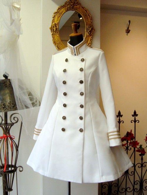 カッコいいのに可愛い!?♡『軍服ワンピース』のかわいさが限界突破しているとTwitterなどで話題に♡   ガールズまとめ
