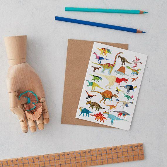 Dinosauri di auguri carta di compleanno illustrazione
