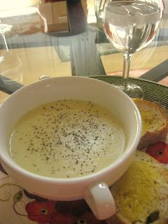 Straight from the Hogwarts Kitchen: The Best Harry Potter Recipes: Fleur's Cream of Brie Soup