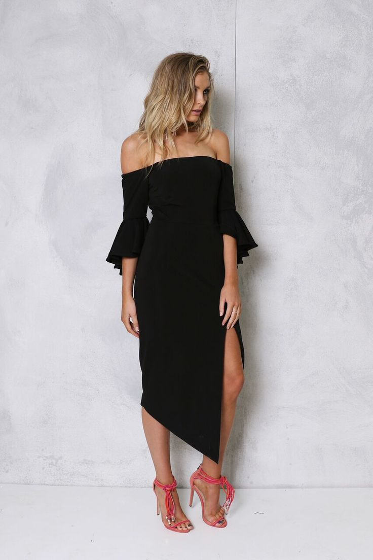 La Moda Stylist Online boutique is all about contemporary, modern, fashion forward with an affinity for classic, timeless pieces. La Moda Stylist is a Fashion Stylist in Adelaide. offering affordable styling sessions.