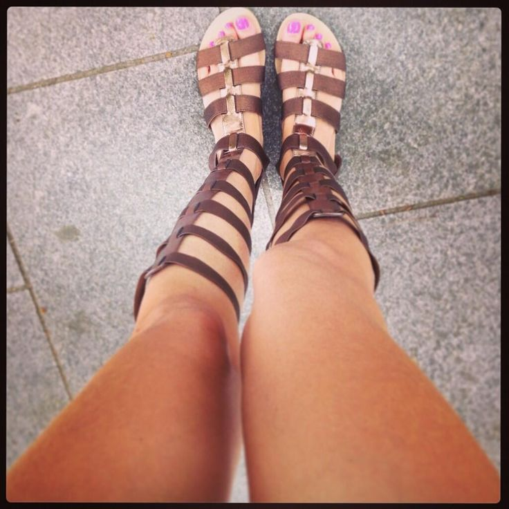 Vega Royo-Villanova Volando de un lado a otro con las gladiador de @MARYPAZ Shoes ! No me pueden gustar más pic.twitter.com/iwsUFvEKZC