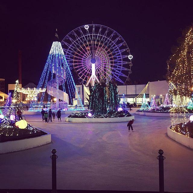 富士急ハイランドのスケート場の画像