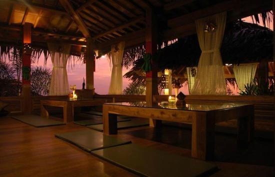 The Stone Cafe Bandung, Nuansa Klasik Eropa dan Pedesaan, pemandangan Gunung Tangkuban Perahu Rancakendal Luhur no. 5 Bandung