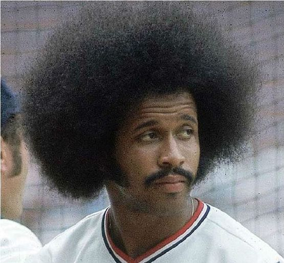 Former Yankee and 17 year ML veteran Oscar Gamble has died in Birmingham Alabama aged 68. Gamble played for the Yankees in 1976 and then again from 1979-1984. He also played for the Chicago Cubs (1969) Philadelphia Phillies (1970-72) Indians (1973-1975) Chicago White Sox (1977 1985) San Diego Padres (1978) and Texas Rangers (1979). Gamble was best known for his iconic Afro and I fortunately got the pleasure of meeting him a few years ago. He was one of the most kind people ever. He will be…