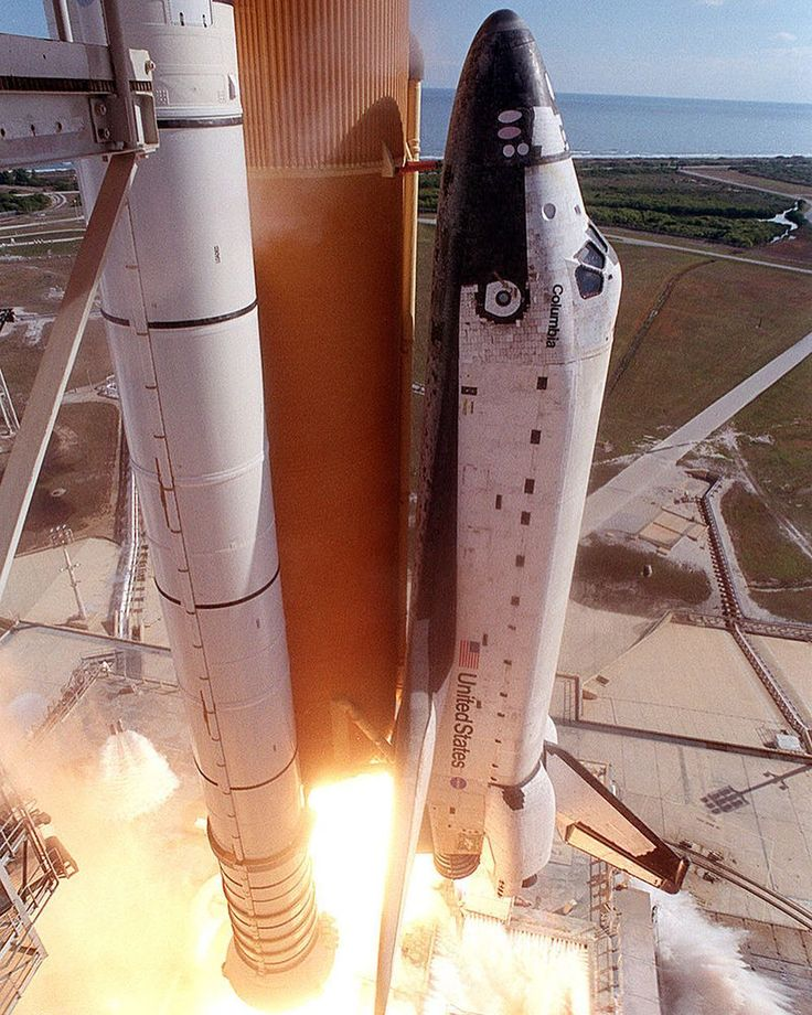369 отметок «Нравится», 2 комментариев — @deepspaceventure в Instagram: «••• A photo of space shuttle Columbia, during launch of mission STS-107, a mission which sadly…»